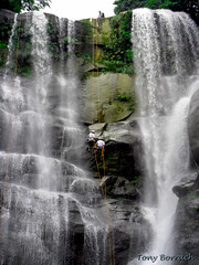 Cachoeira vu da noiva (Tony Borrach) Tags: windows brazil water rio gua brasil riodejaneiro photoshop canon wonderful de mar is waterfall interestingness do rj janeiro cidademaravilhosa bresil expo brasilien tony powershot na adobe serra em rappel cachoeira brasile sul rapel brsil sudamerica sceneries americadosul cs3 brazili serradomar sudamrica mangaratiba sdamerika muriqui   southamericaamrica a590 adobephotoshopcs3 photoscape itagua itaguai tonyborrach  sudamerique mygearandme mygearandmepremium mygearandmebronze flickrhivemindgroup artistoftheyearlevel3 artistoftheyearlevel4 artistoftheyearlevel5 artistoftheyearlevel7 artistoftheyearlevel6 wonderfulsceneries