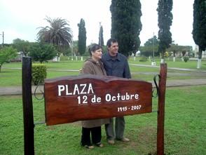 Plaza 12 de Octubre - Nilda Garelli junto a Edson Franco