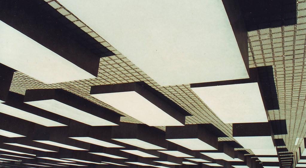:: Holocaust Memorial ::