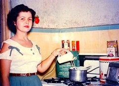 Mother in Puerto Nuevo, Puerto Rico 1949 (juliealicea1947) Tags: kitchen puertorico mother blender sal 1949 cornedbeef galletas puertonuevo quakeroatmeal