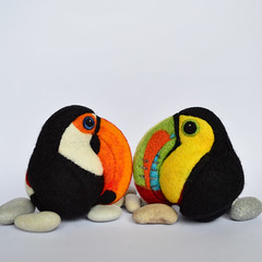 Toco Toucan and Keel-billed Toucan, needle felted wool decors (Linda Brike) Tags: needlefelting needlefelted bird ornament decor homedecor ball arttoy collectable collectorsitem wool woolart woolroommate etsy lindabrike peacock budgie budgerigar finch toucan puffin conure greencheekconure sparrow grackle robin lovebird