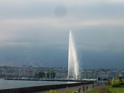Jet d'Eau by Avellanita.