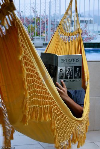 Um dia frio, um bom lugar pra ler um livro...