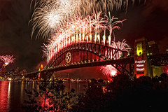 Sydney New Year's Eve Fireworks Midnight (PixelPeddler) Tags: fireworks sydney australia nsw newyearseve 2008 sydneyharbourbridge kirribilli 2061 sydneyharborbridge auspctagged mywinners scenicsnotjustlandscapes
