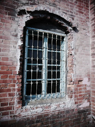 煉瓦倉庫の窓