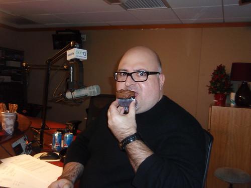 Frank DeCaro eats his cupcake