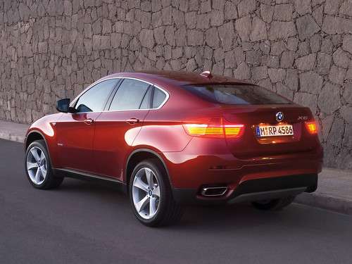 BMW X6 Road Photos
