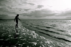 Black Beach (maapu) Tags: uk sea england cold beach monochrome sand emma freezing windy somerset imma blackbeach mywinners impressedbeauty mpressedbeauty maapu mauroof superbmasterpiece diamondclassphotographer flickrdiamond canon40d mauroofkhaleel westernsupermere