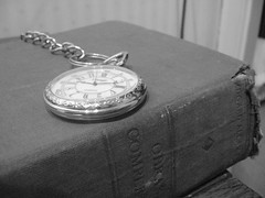 Lecturas de otoo (LordGK) Tags: autumn blackandwhite grey book ancient reloj melancholy poe