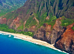 Na Pali at Kalalau Beach (Walt K) Tags: ocean statepark beach hawaii coast tour pacific helicopter kauai kalalau napali waltk