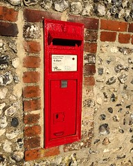 Red Post Box (Marc Sayce) Tags: red post box letter british vr queen victoria february winter spring 2017 chilcomb hampshire south downs national park way