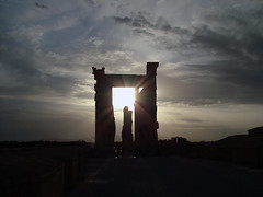 Sunset in APADANA (Dr. Hendi) Tags: sunset sky cloud me myself ancient iran shiraz   worldheritage perspolis   apadana  siamak unescosworldheritage      anoosh      doctorhendii worldheritageiniran