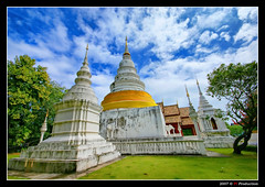 Wat Chiang Man # 2 @ Chiang Mai (Thailand) (Eric Rousset) Tags: voyage travel architecture photoshop thailand photography gold reflex bravo asia cs2 sony sigma wideangle thalande adobe chiangmai asie orton photomanipulated 2007 bpp postprocessing blueribbonwinner sigma1020 watchiangman magicdonkey outstandingshots flickrsbest 35faves rosedunord mywinners abigfave sonydslra100 anawesomeshot aplusphoto superbmasterpiece infinestyle diamondclassphotographer bratanesque ysplix theunforgettablepictures colourartaward fiveflickrfavs theperfectphotographer thegardenofzen thegoldendreams piproduction nouvellecite ericrousset ericroussetphotography