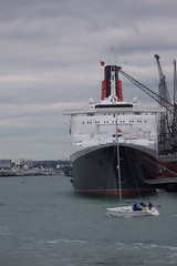 Queen Elizabeth 2 (crwilliams) Tags: docks boats hampshire southampton qe2 date:year=2005 date:month=april date:day=16 date:wday=saturday date:hour=15