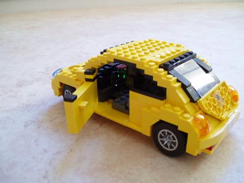 Volkswagen New Beetle (3)