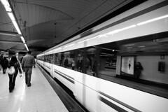 metro de Madrid (luciapensache) Tags: madrid travel bw sol d50 metro linea2 flickrsbest aplusphoto espressionidellanima luciapensache