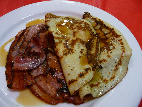 Singapore fried noodles · Pancakes with bacon and maple syrup