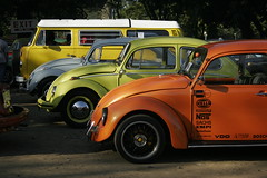 three beetles and a combi (.emong) Tags: cars vw canon bug volkswagen philippines beetle canoneos20d guinness manila pinoy canonefs1855mmf3556