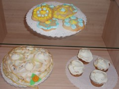 Meringue creations and pretty spring cookies (Hey Liz!) Tags: cookies meringue