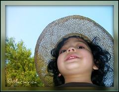 © Funny Picture !! (Mariavica17-©) Tags: littleboy niño picnik funnypicture chistoso estremità fotocomica