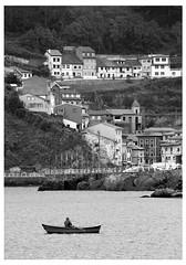 Cudillero (chalanero oh chalanero) (David Tamargo) Tags: asturias cudillero