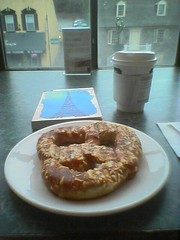 Asagio pretzl, coffee and light reading at Barnes and Noble
