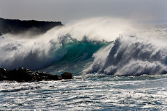 Ola (pericoterrades) Tags: ocean beach mar rocks searchthebest wave oleaje playa olas rocas 2007 oceano espuma atlantico elgolfo rompeolas blueribbonwinner supershot pericoterrades flickrsbest specnature superlativas atlanticgodness