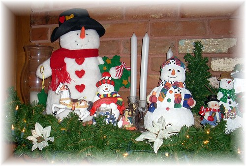 Snowman Mantle left