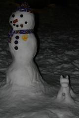 Schneemann mit Hund