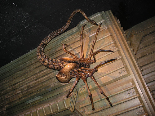 juguete Facehugger AVP2 requiem