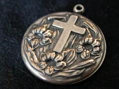 #X2149 (bysunnylook) Tags: medallion religiousjewelry religiousmedal prayermedallion