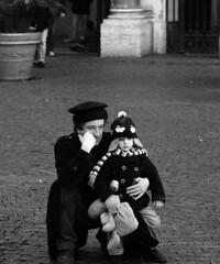 ascolta assorto (hasta_gia) Tags: bw rome roma look think bn trastevere fatherson sguardi padreefigli
