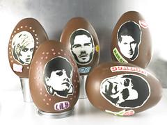 Celebrity head eggs