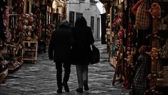 IMG_0578 (mazzottaalessandra) Tags: persone people otranto colori bianco nero monocromo colors bianconero vicolo viuzza negozi urban artigianato life shops shop italy salento canon contrast camminare camminando walking walk