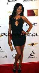 claudia jordan looking right