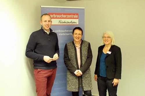 Besuch der Verbraucherzentrale Oldenburg mit der Leiterin Petra Kristand (Mitte) und Christel Lohrey.