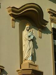 07.10.2007 (hippo1107) Tags: maria jesus figur saar weingut muttergottes wiltingen volxem muttergottesfigur weingutvanvolxem