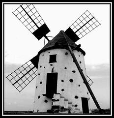 Molino de El Roque (Majocesa) Tags: bw windmill jill fuerteventura bn molino canaryislands islascanarias abigfave elroque diamondclassphotographer flickrdiamond platinumheartaward majocesa