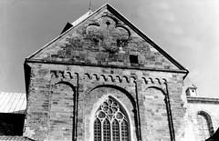 Osnabrück - Dom c 1975 (Arnim Schulz) Tags: church germany deutschland cathedral roman dom catedral iglesia kirche chiesa alemania romanesque allemagne église osnabrück germania cattedrale niedersachsen cathédral románico romanisch romanik