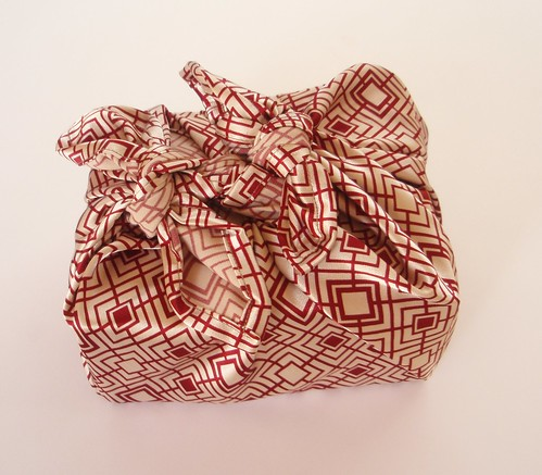 red geometric furoshiki by djbebe.