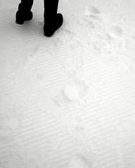 Oberstdorf - Nebelhorn: black feet on white snow  56.211.08 (Juergen Kurlvink) Tags: christmas xmas trip travel schnee 2002 winter vacation people woman white mountain snow black alps feet berg germany weihnachten geotagged bayern deutschland bavaria europa europe tour urlaub hill natur footprints eu weihnachtszeit menschen hills berge peoples alpen frau wintertime weiss allemagne ferien schwarz christmastime gisela reise oberstdorf frauen mensch winterzeit foghorn womans brd allgu juergen nebelhorn allguer mywinners flickrdiamond gisy 0fav kurlvink kurli1 fse fusspuren 0allok 0bw