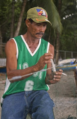 Pinoy Filipino Pilipino Buhay  people pictures photos life Philippinen  菲律宾  菲律賓  필리핀(공화국) Philippines dumaguete fisherman net mending