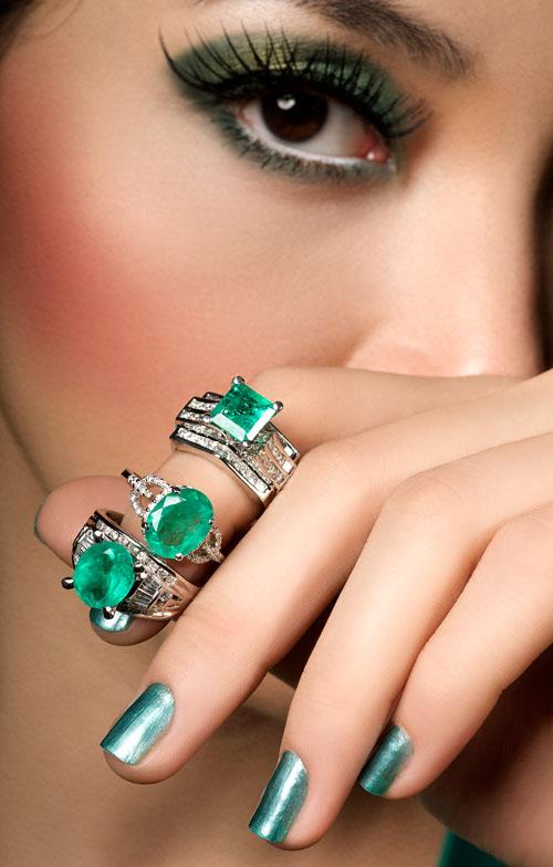 2424963224 e41f786fa8 o - Superb Emerald Jewellery Photoshoot