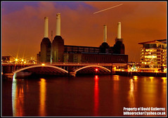London Battersea Power Station at Night (david gutierrez [ www.davidgutierrez.co.uk ]) Tags: city uk longexposure travel urban reflection building london station thames architecture night buildings river dark spectacular photography lights photo industrial cityscape power darkness image dusk centre cities cityscapes landmark center structure architectural nighttime finepix londres architektur nights fujifilm sensational metropolis battersea topf100 riverthames londra powerstation chimneys impressive wandsworth nightfall batterseapowerstation municipality edifice cites 100faves flickrsbest sirgilbertscott s6500fd s6000fd fujifilmfinepixs6500fd