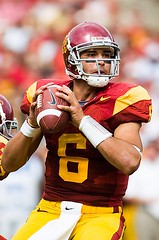 USC quarterback Mark Sanchez (Eric Wolfe) Tags: california usa college sports losangeles football unitedstates quarterback passing throwing universities usctrojans original:filename=200710130261jpg