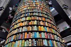 Torre di libri - photo Goria - click per i dettagli