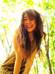 smiling from above (AraiGodai) Tags: portrait people girl beautiful backlight asian interesting kay explore thai araigordai adayinapark raigordai araigodai