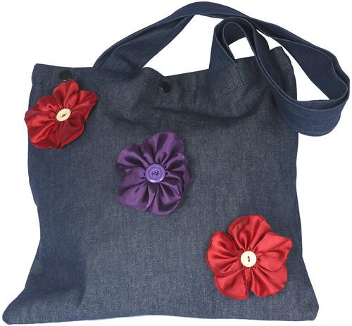 Bolsa de Brim com Flores de Cetim by PARANOARTE