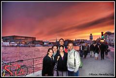 Summer sunset at Stockholm (Olivia Heredia) Tags: sunset atardecer colorful europa europe sweden stockholm sverige pinksky hdr highdynamicrange estocolmo suecia palacioreal royalpalace kungligaslottet photomatix stockholmsslott 2exp