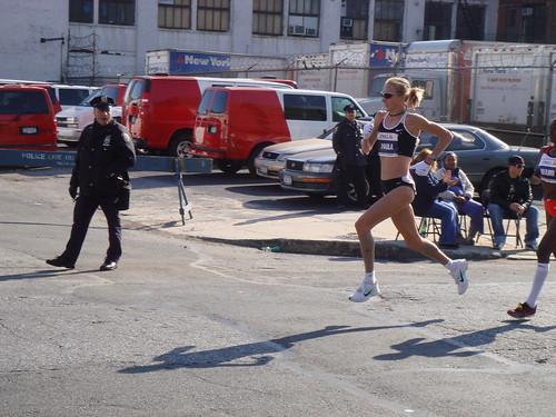 Paula Radcliffe Airborne @ Mile 14